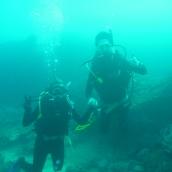 2 Divers